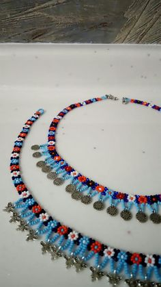 Weird Jewelry, Seed Bead Jewelry, Jewelry Art, Beaded Anklets, Beaded Necklace, Beaded Bracelets, Pearl Crafts, Hanging Beads, Beads And Wire
