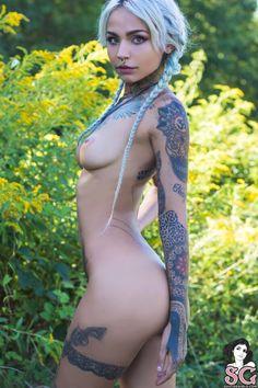 Suicide nackt fishball Amanda Cerny