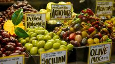 Queen Victoria Market Queen Victoria Market, Melbourne Victoria, Australia Travel, Italy, Fruit, Food, Places, Italia, Meal