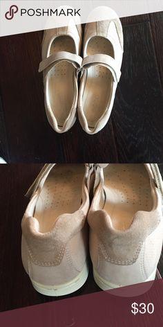 Ecco European Women's T Strap Walking Shoe Lightly worn women's t-strap by Ecco. Ecco Shoes Flats & Loafers