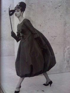 Yves Saint Laurent for Christian Dior - Photo Willy Maywald - Paris, 1958. Ooooh.