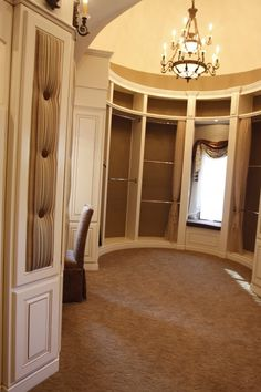 Gorgeous....does anyone know if this is the closet that was built for julianna Ransic?(sp?)