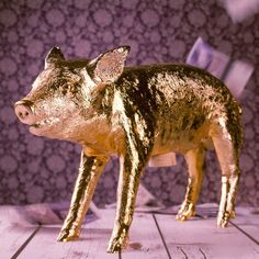 Socially Conveyed via WeLikedThis.co.uk - The UK's Finest Products -   The Golden Pig Bank http://welikedthis.co.uk/?p=6205
