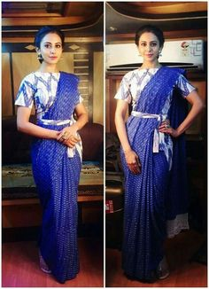 Have a look at the latest blouse designs trends for this year. Saree Jacket Designs, Saree Blouse Neck Designs, Fancy Blouse Designs, Dress Neck Designs, Saree Wearing Styles, Saree Styles, Blouse Styles, Saree With Belt, Saree Belt