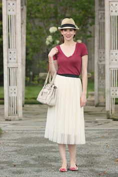 Tulle midi skirt, burgundy tee, floral flats and a hat.