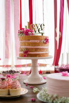 Naked Cake mit Cake Topper von Jasmina Tvrdak von Naschwerk | Foto: Rebecca Conte