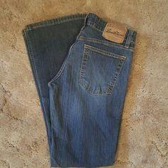 Levi's Low rise boot cut size 5 short Levi's Jeans Boot Cut