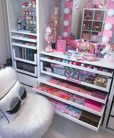 33 ideas for diy room decor for teens organization makeup mirror Diy Room Decor For Teens, Cute Bedroom Ideas, Cute Room Decor, Girl Bedroom Designs, Teen Room Decor, Bedroom Decor, Makeup Organization, Room Organization, My New Room