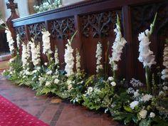 Parallel design for a church chancel Alter Flowers, Church Flowers, White Flowers, Church Wedding Decorations, Altar Decorations, Flower Decorations, Church Flower Arrangements, Floral Arrangements, Wedding Flower Inspiration