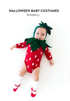 We've got a delicious, juicy baby costume for you today: a freshly picked strawberry! Here's how to put one together… PS Lots more Halloween costume ideas right here! For this costume we started w Baby First Halloween Costume, Halloween Costumes Kids Homemade, Halloween Bebes, Diy Halloween Costumes For Kids, Homemade Baby Costumes, Easy Halloween, Halloween College, Pirate Halloween, Halloween Recipe