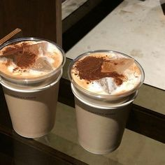 Iced Coffee, Coffee Drinks, Coffee Time, Coffee Shop, Coffee Break, Coffee Cups, Aesthetic Coffee, Aesthetic Food, Cute Food