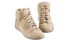 APC X NIKE http://melonylimon.blogspot.com.es/2013/05/apc-x-nike-sneakers.html