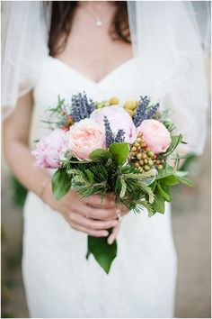 summer bridal bouquet in France | Image by Meredith Lord Photography