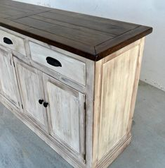Sideboard Server Console Cabinet Reclaimed Wood Buffet - corner doors and shelves - Hand werk Diy Furniture Hacks, Paint Furniture, Furniture Making, Furniture Makeover, How To Distress Furniture, Refurbished Furniture, Shabby Chic Furniture, Shabby Chic Decor, Shabby Chic Buffet
