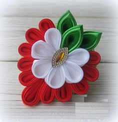 Diy Crafts - VK is the largest European social network with more than 100 million active users. Ribbon Art, Ribbon Crafts, Flower Crafts, Fabric Crafts, Diy Crafts, Flower Hair Bows, Flower Hair Accessories, Diy Hair Bows, Handmade Hair Bows