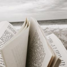 bucket list check-point for spring/summer of 2018 is to finish an entire book from prologue to epilogue while at the beach ? Good Books, Books To Read, My Books, Reading Books, Jordy Baan, Namjoon, Hoseok, Oldschool, Book Aesthetic