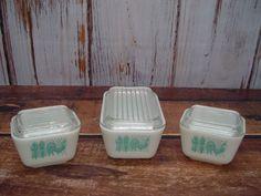 Set of 3 Pyrex Amish Butterprint Refrigerator Set, Frigie Set, Turquoise on White, 502, 501 with Lids by GandTVintage on Etsy