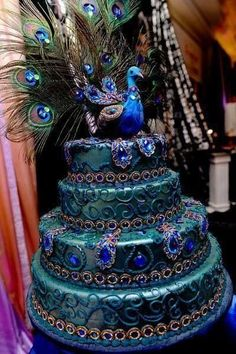 Peacock Wedding Cake The colours on this cake are incredible!