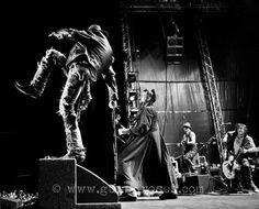 Guns N' Roses. U like ? :)