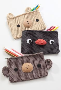 These adorable crocheted pencil cases would be so easy to make for back to school.