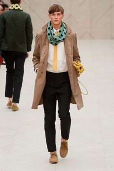 The scarf..... not sure if I love it, or hate it. I think I might love it. Lol.  Burberry Prorsum Spring / Summer 2014 men's