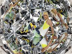 Mattia Paco Rizzi has installed an origami kaleidoscopic installation, completely covered with mirrors in the centre of the Baltic town of Zings, Germany.