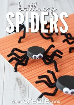 This bottle cap spider Halloween craft not only re-uses plastics in your home, it adds a friendly addition to your Halloween decor. I'm always searching for fun and inexpensive projects to make with my kids. Holidays Halloween, Halloween Kids, Halloween Themes, Halloween Decorations, Halloween Party, Bug Activities, Halloween Activities For Kids, Halloween Projects, Cute Kids Crafts