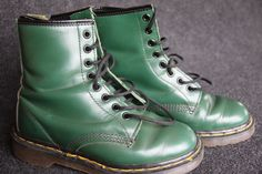 Great vintage original green Dr Marten boots size 5 by hipposdream, Green Dr Martens, Dr Martens Boots, Doc Martens, Etsy Vintage, Vintage Shops, Combat Boots, The Originals, Clothing, Movies