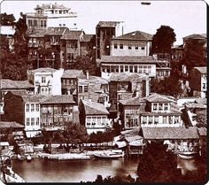 Tarabya Old Pictures, Old Photos, Empire Ottoman, Urban Architecture, Most Beautiful Cities, Istanbul Turkey, Albania, Once Upon A Time, The Past