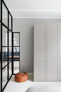 Personal kitchens, wardrobes and storage units built on IKEA cabinet frames. Doors, handles, taps, sinks and tabletops. Quality and design for a reasonable price. Wardrobe Handles, Wardrobe Doors, Ikea Pax, Luxury Homes Interior, Interior Design, French Style Homes, Ikea Frames, Japanese Interior, Eclectic Decor