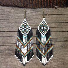 Nana-Buluku...Fractal seed bead earrings di DancingWillowDesign