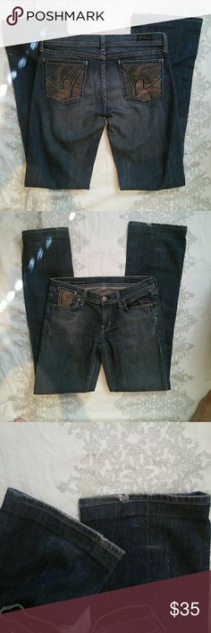 """Citizens of Humanity Pablo 089 Bootcut 28 98% cotton, 2% elastane. Low waist boot cut. Minor hem fraying and one small string pull on back pocket. I have left it alone. Could be trimmed. 7"""" rise. 32"""" inseam. 30"""" waist. Citizens of Humanity Jeans Boot Cut"""