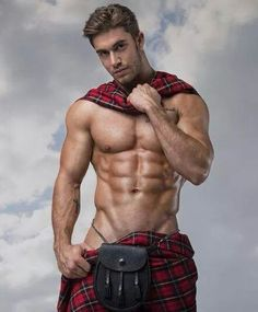 According to Wikipedia, the history of the kilt stretches back to at least the end of the century. The word kilt comes from the Scots word kilt meaning to tuck up the clothes around the body. There are two types of kites: The great kilt (more. Scottish Man, Men In Kilts, Le Male, Hommes Sexy, Hot Hunks, Shirtless Men, Male Physique, Attractive Men, Muscle Men