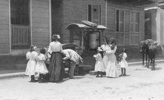 Escena en una calle de Arecibo, Puerto Rico (1918)