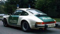 voorproefje Essen 2005: TechArt politie Porsche - Pagina 2 Carl Benz, Old Police Cars, German Police, Porsche 911 S, Vw Group, Miniature Cars, Car Badges, Rescue Vehicles, Vintage Porsche
