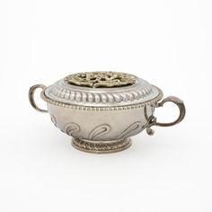Covered Bowl (one of a pair). Anthony Nelme (England, London, circa 1679-1723). 1691-1692.