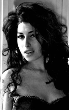"Amy Winehouse was a vocalist on the song ""Valerie"" on Ronson's solo album Version. The song peaked at number 2 in the UK, and was nominated for a 2008 Brit Award for ""Best British Single"". Amy Winehouse, Divas, Amazing Amy, Estilo Rock, Pop Rock, Gene Kelly, Female Singers, Her Music, Beauty"