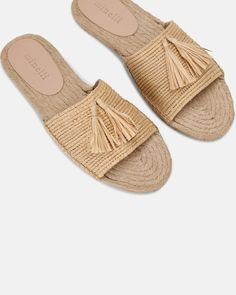 Mule plate - Rahil NATUREL - Chaussures RAPHIA - Minelli Mule Plate, Espadrilles, Flipflops, Slippers, Slip On, Flats, Shoes, Products, Pom Poms