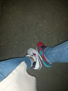 New#Balance#girl#men#colours#blue#denim#night#walk
