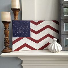 Americana chic modern chèvre on flag art New Americana, Americana Crafts, Americana Bedroom, Holiday Crafts For Kids, Crafts To Make, Pallet Art, Pallet Ideas, Chevron Art, American Flag Decor