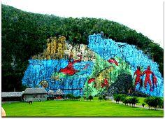 Mural de la Prehistoria. Parque Nacional de Viñales. Vinales, Cuba, Holidays, Painting, Natural Playgrounds, Prehistory, National Parks, Naturaleza, Holidays Events