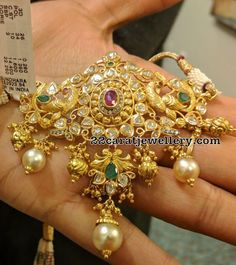 Beautiful Pachi Bajuband by Vasundhara Jewellers Indian Wedding Jewelry, Indian Jewelry, Bridal Jewelry, Silver Jewelry, Gold Earrings Designs, Gold Jewellery Design, Necklace Designs, Cz Jewellery, Gold Designs