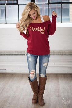 Thankful Sweatshirt - Maroon glitter font off the shoulder sweatshirt front Closet Candy Boutique Winter Mode Outfits, Casual Fall Outfits, Winter Fashion Outfits, Look Fashion, Autumn Winter Fashion, Cute Outfits, Womens Fashion, Outfits 2016, Dresses 2016