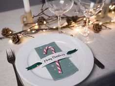 DIY: Printable templates for Christmas table settings by Søstrene Grene Christmas Place Cards, Christmas Favors, Little Christmas, Christmas Time, Fall Table Settings, Christmas Table Settings, Christmas Table Decorations, Christmas Tables, Christmas Trends