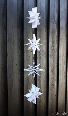 DIY - Blomsterranke, hvid, 120 cm. - DIY - GØR DET SELV - Livingly Paper Craft and Mobiles Snowflake Origami, Christmas Origami, Origami Stars, Origami Easy, Christmas Crafts, Christmas Decorations, Christmas Ornaments, Christmas In July, Christmas Balls