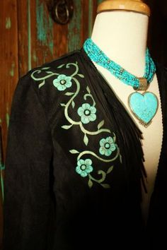 Tourquoise heart necklace, how pretty is this!!