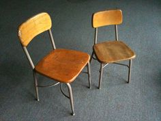 Found 16 of the larger Heywood-Wakefield wood and metal-frame classroom chairs, and 2 of the smaller version. As with all H-W products, the wood should be ...
