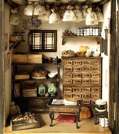Miniature Oriental-themed collection - traditional herbal medicines (image only)  Source: Dollhouse Ara