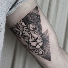 Double exposure lion head by Klaudia Holda. blackwork dotwork KlaudiaHolda linework lion bigcat geometric