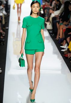 How to Fake Shorts-Ready Legs in 5 Minutes: Daily Beauty Reporter . Spring Wear, Spring Outfits, Runway Fashion, Fashion Show, Womens Fashion, Cutoffs, Daily Beauty, Polished Look, Fashion Plates
